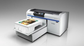 Epson SureColor SC-F2000: printer bedrukt t-shirts